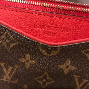 Louis vuitton pallas clutch